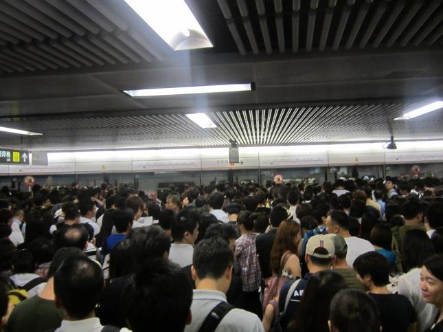 HK-MTR-Congestion-3