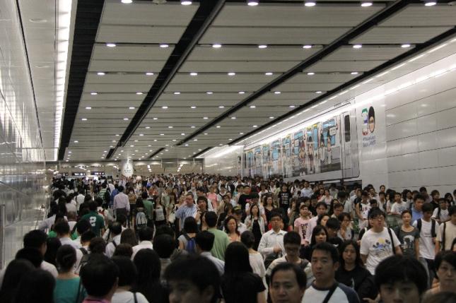 HK-MTR-Congestion-4